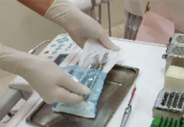 治療器具は治療直前に開封します
