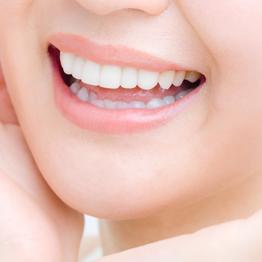 銀歯を白く
